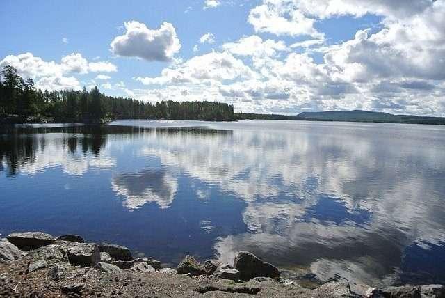 lake-4106324_640