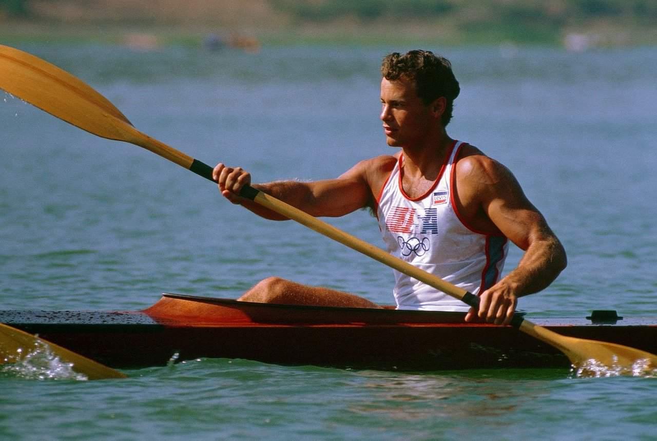 kayaking-606176_1280